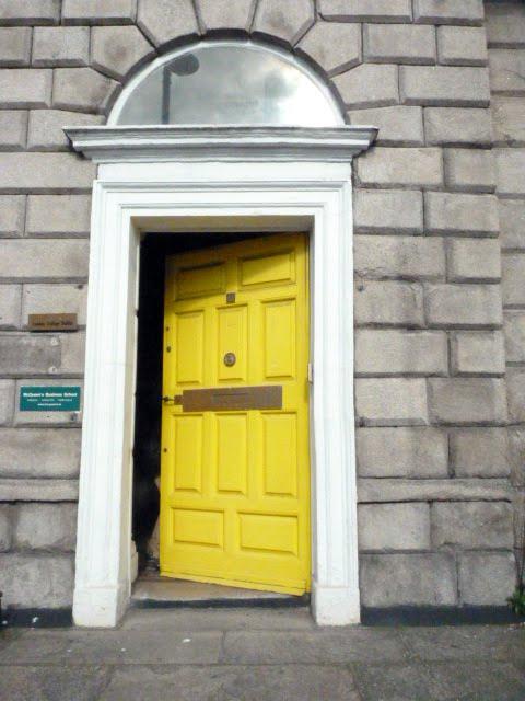 ¿Se puede? Puerta Amarilla en Dublín