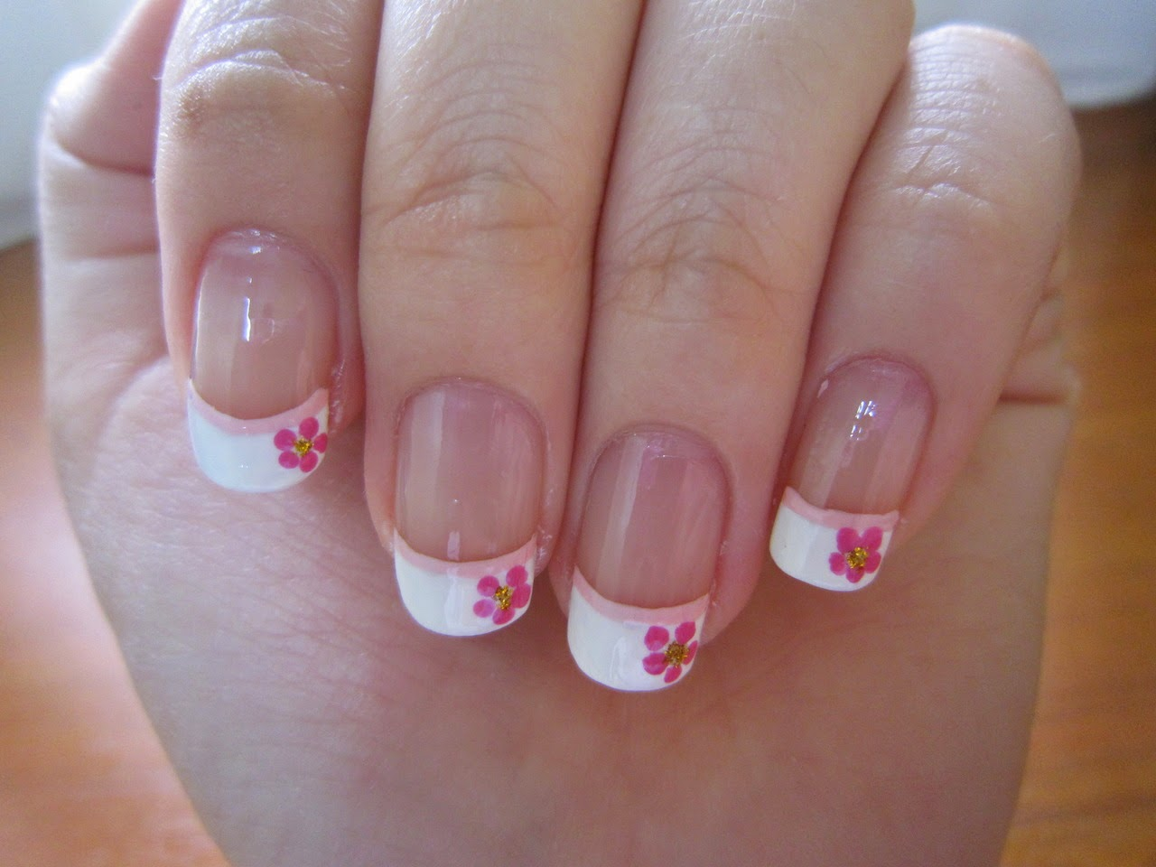 Floral French Nail Arthttp://nails-side.blogspot.com/