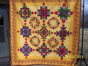 2013 Raffle Quilt (90 x 91)