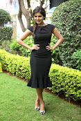 Samantha latest photos in black-thumbnail-6