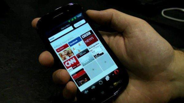 """مايكروسوفت تتّخذ تطبيق """"أوبرا"""" ا متصفحاً افتراضياً في هواتفها الحديثة"""