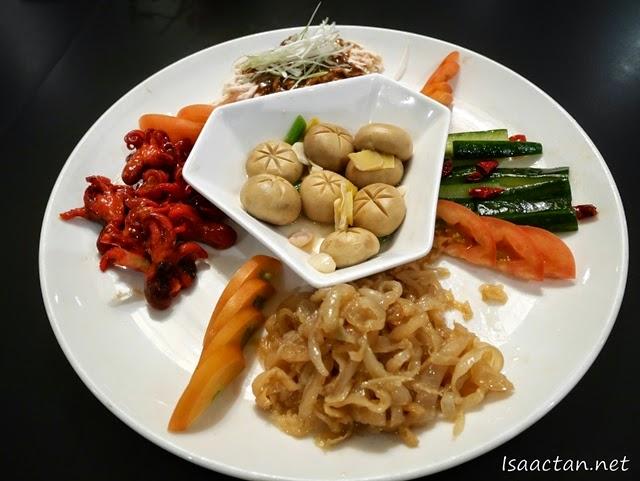 Si Chuan Dou Hua Appetizer Platter