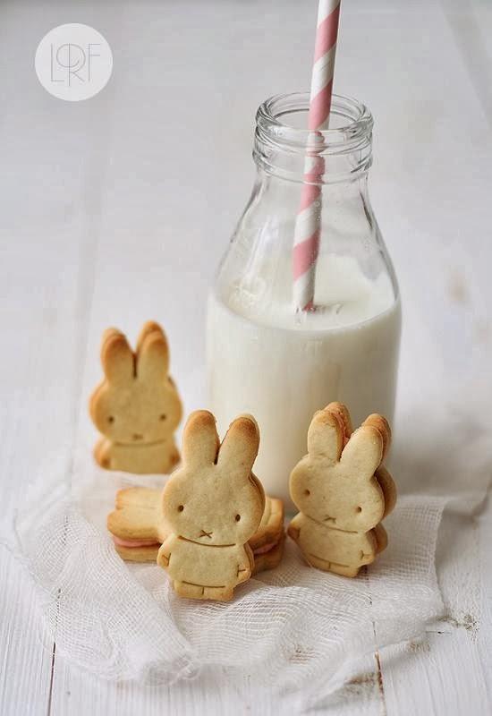 Con galletitas en forma de conejo