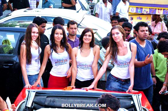 Models Washing Car in Delhi - Car wash in Delhi to promote 'Kyaa Super Kool Hain Hum'