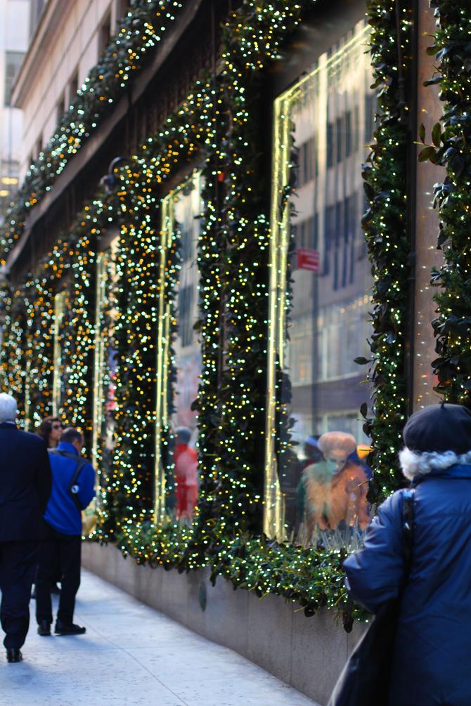 Travel Pretty: Bergdorf Goodman Christmas windows...and a few more ...