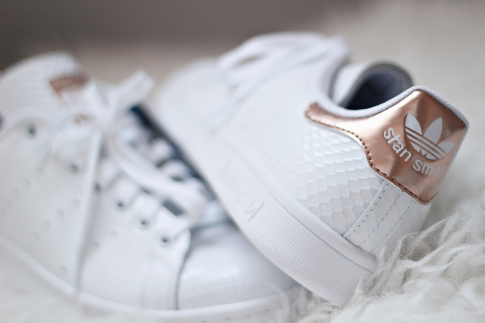 Kylie Boon PEARL ROSEGOLD Superstar 80s customs.