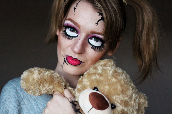 Scary Doll Halloween Make-up Tutorial