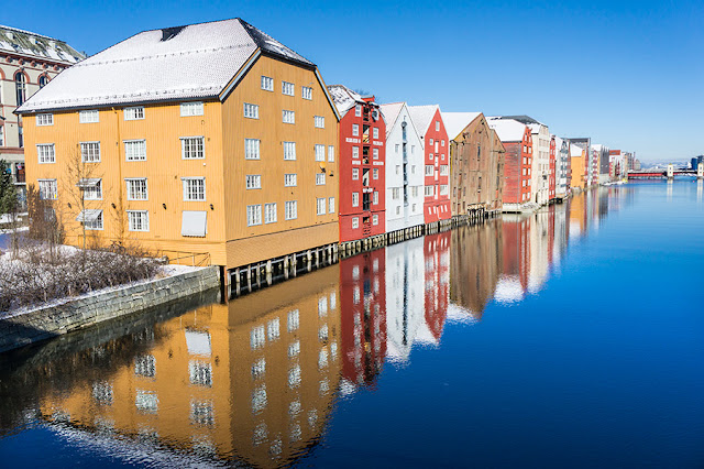 Drewniane magazyny w Bakklandet