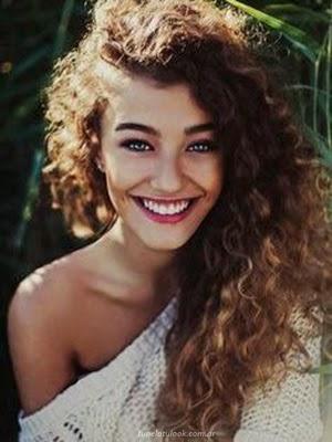 Los cortes de pelo y peinados más trendy para melenas  - Corte Pelo Melena Rizada