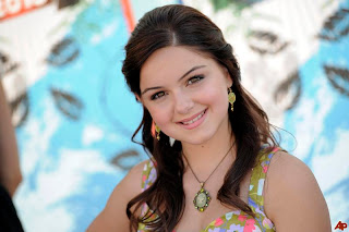 Ariel Winter Wallpaper