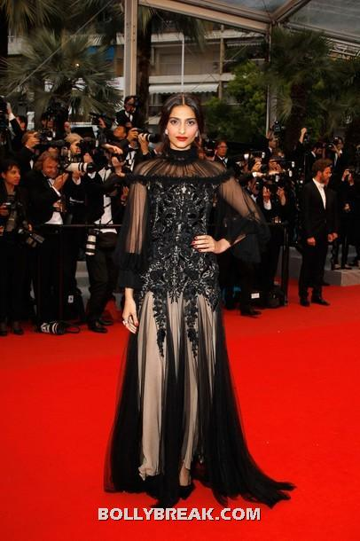 Sonam kapoor black and beige floor length gown  -  Sonam Kapoor Cannes 2012 LATEST BLACK GOWN PICS