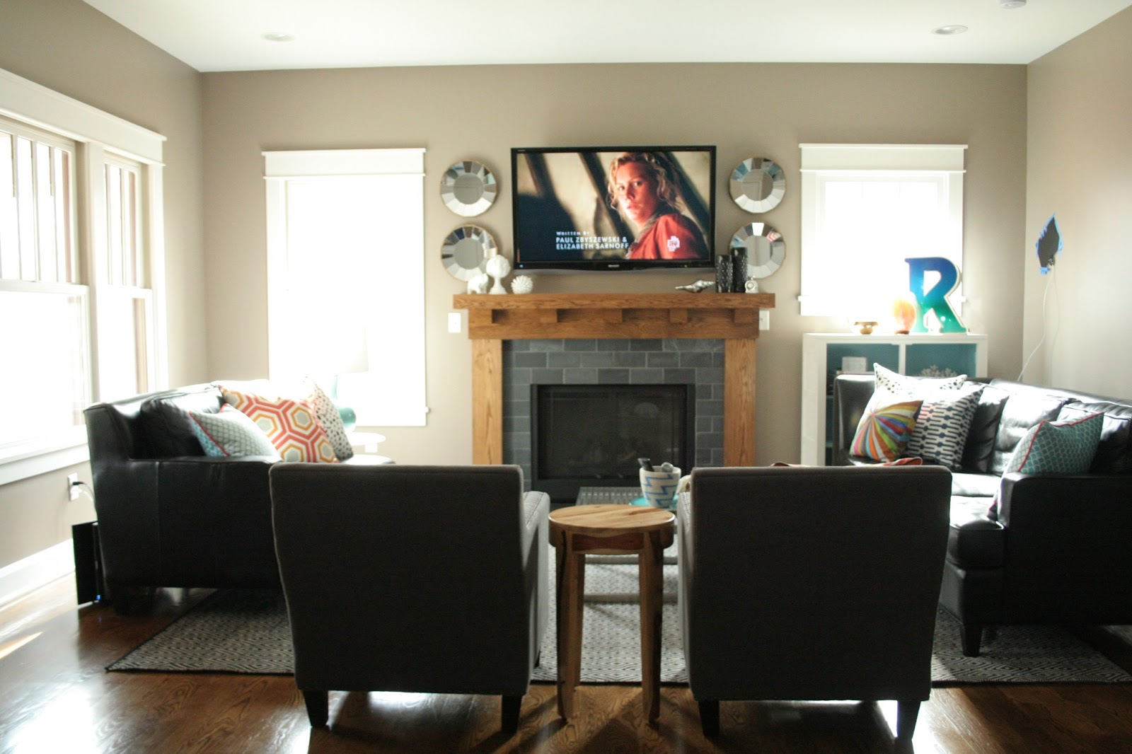 How to arrange furniture in an l shaped room joy studio for Small tv room layout