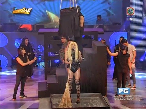 Vice Ganda explains why celebrities do Ice bucket challenge