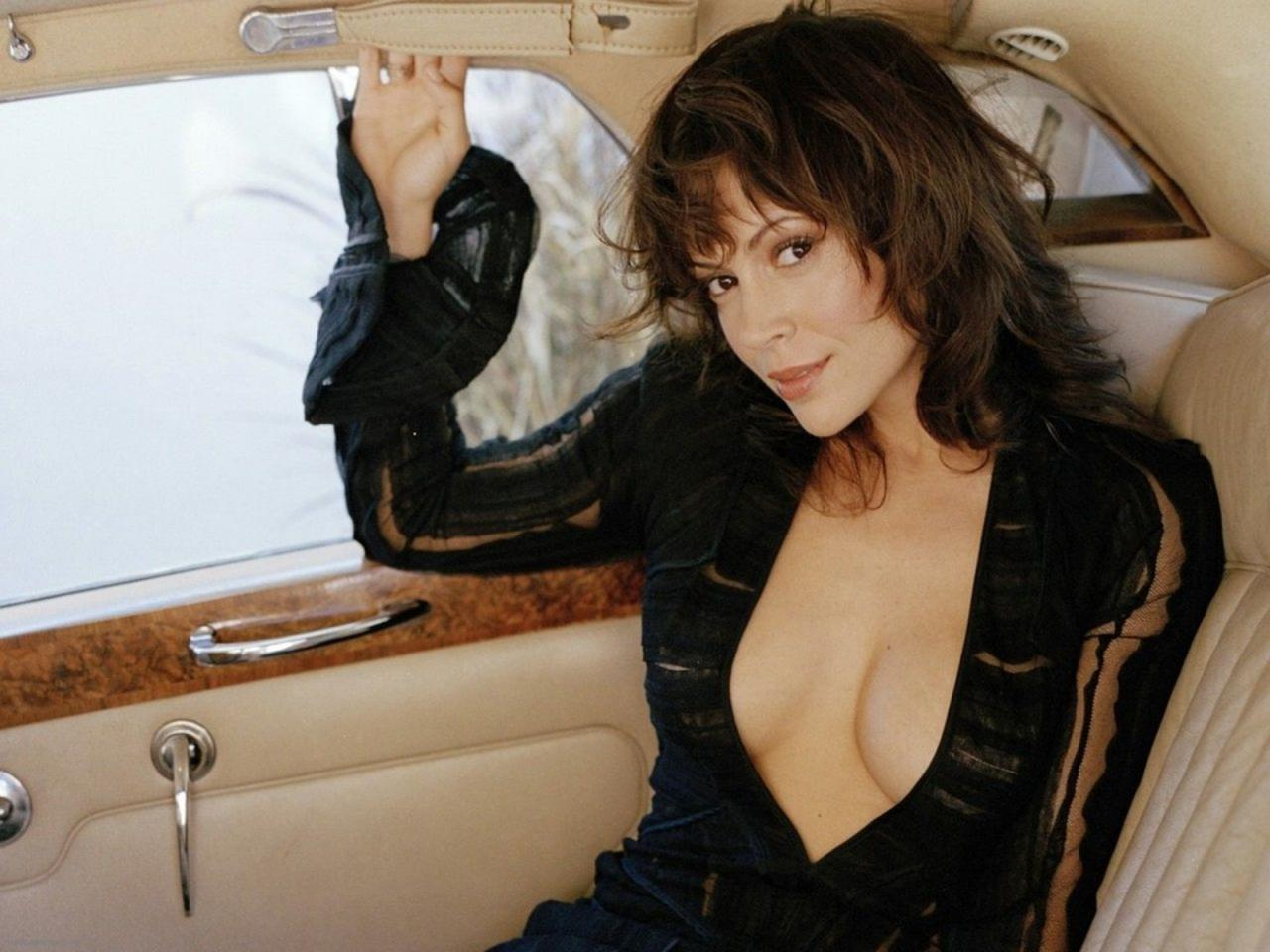Hot Alyssa Milano naked (95 photos), Tits, Fappening, Selfie, see through 2015