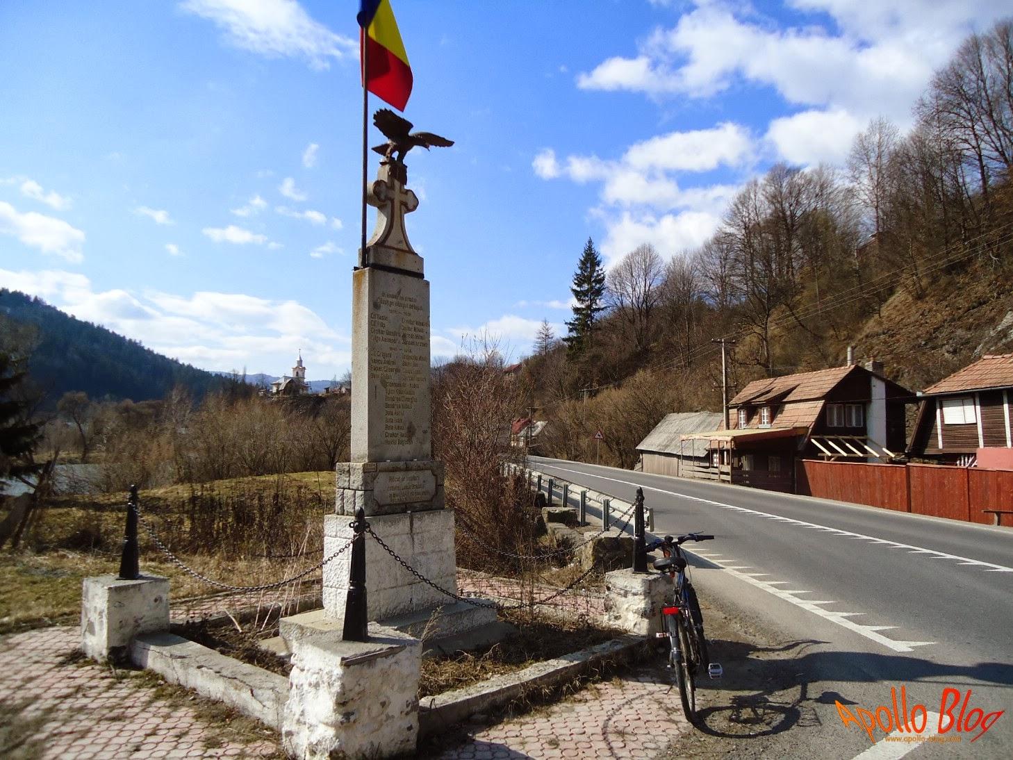 Monument Lunca Bradului