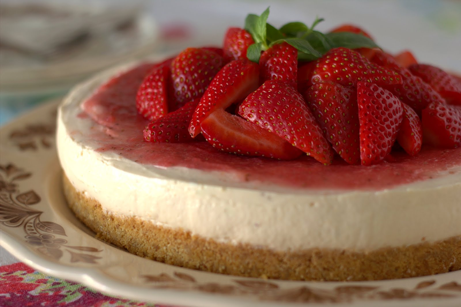 The Lettuce Shop: No bake strawberry cheesecake