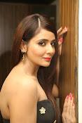 Parul Yadav latest glam pics-thumbnail-20