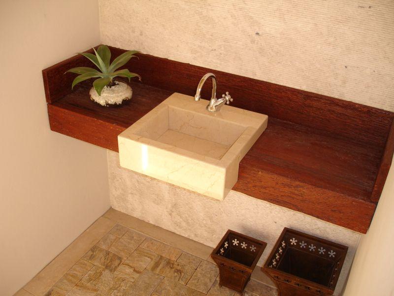 E daí que agora eu quero uma bancada de madeira no banheiro  Reforma do &quo -> Tampo Para Pia De Banheiro