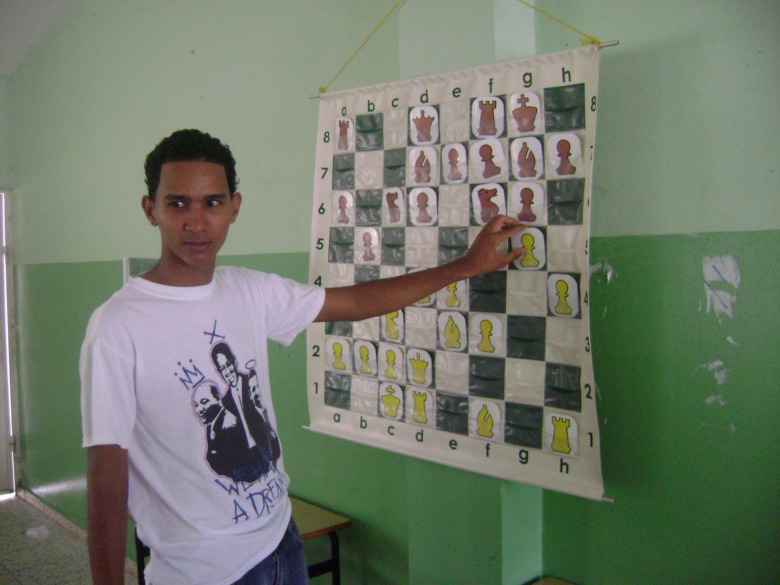 Adape clases de ajedrez en la escuela san francisco for Fides sergas oficina virtual