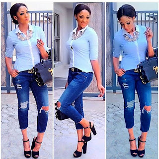 White Top On Blue Jeans Make Sense Die! - Style Up With Kim
