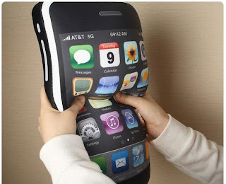 iCushion &#8211; iPhone 4GS Pillow