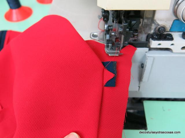 coser un bolsillo de adorno para falda
