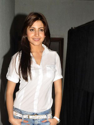 Latest news on indian celebrities: january 2013