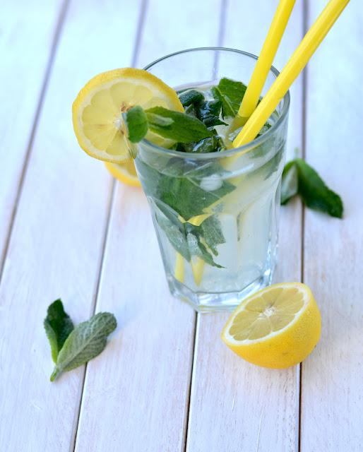 lemoniada, lemoniada z miętą, przepis na lemoniadę,, jak zrobić lemoniade