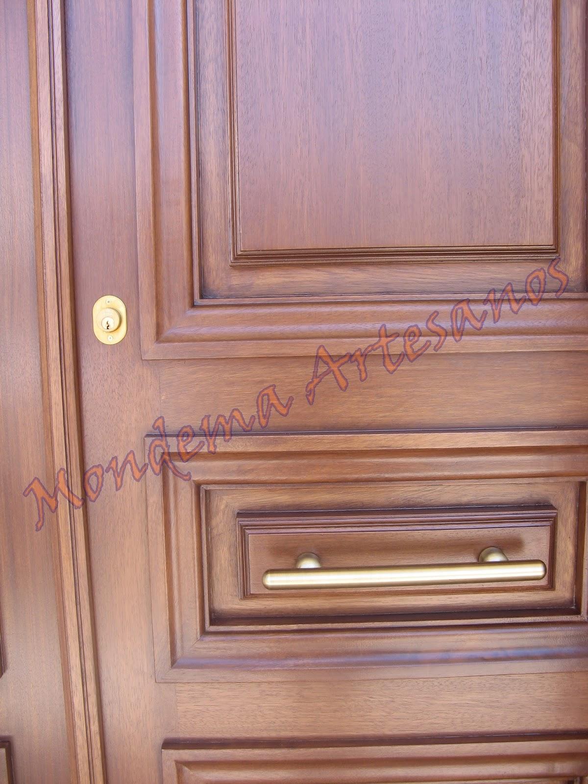 Puerta de calle de iroko artesanos carpinteros - Puertas de calle de madera ...