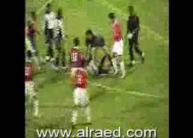 Σοκαριστικό Βίντεο!!! Δαίμονας Σέρνει Ποδοσφαιριστή???!!!