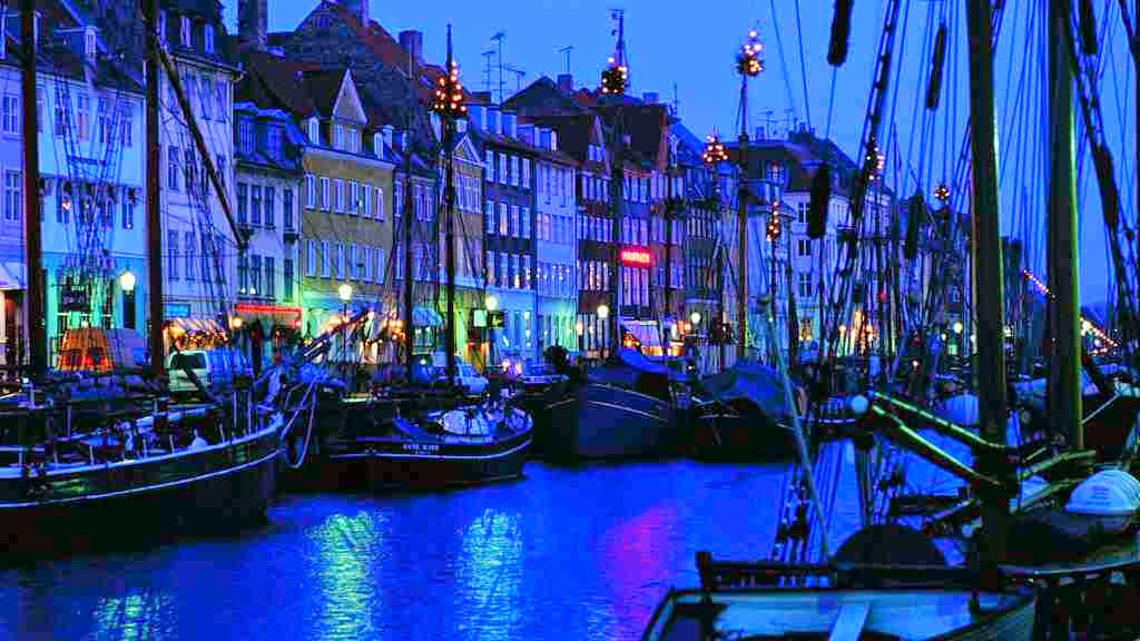 The city of Copenhagen at night