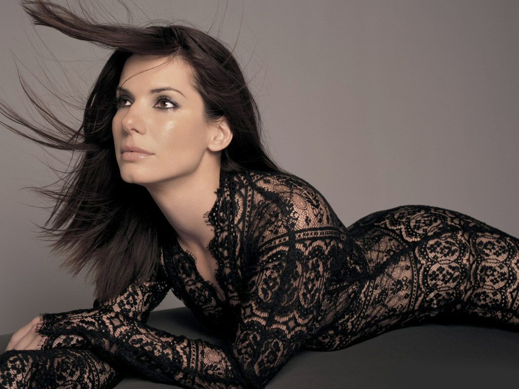 sandra bullock sexy look - photo #4