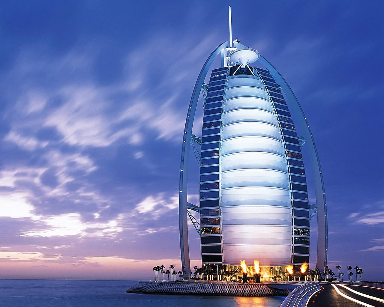 http://3.bp.blogspot.com/-98YLgaL2yrg/TgXoFRQSClI/AAAAAAAAHoc/AoOjoaolRPQ/s1600/Dubai-UAE-Wallpaper.jpg