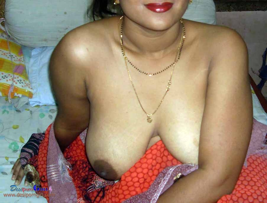 Indian desi nude housewife