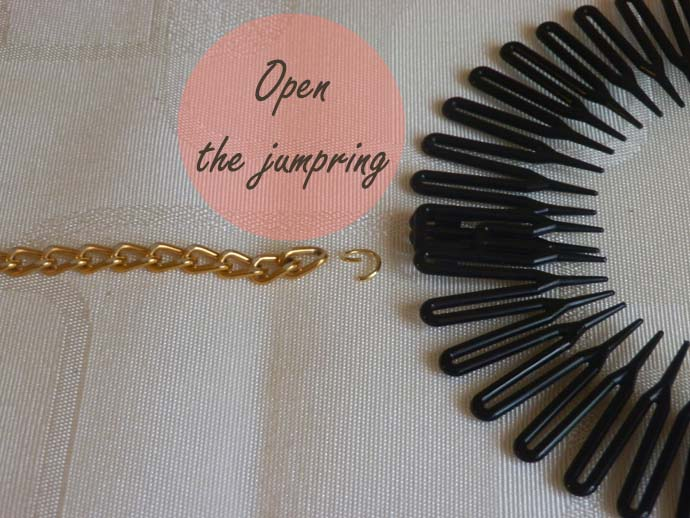 DIY project: tutorial: Glam Chain Headband inspired by Bethany (Macbarbie07); how to make hair accessory with golden chains; Step one: open the jumpring