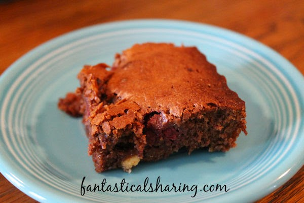 Triple Chocolate Raspberry Brownies | Fudgy chocolatey delicious brownies with raspberries - such a decadent dessert! #recipe #SecretRecipeClub