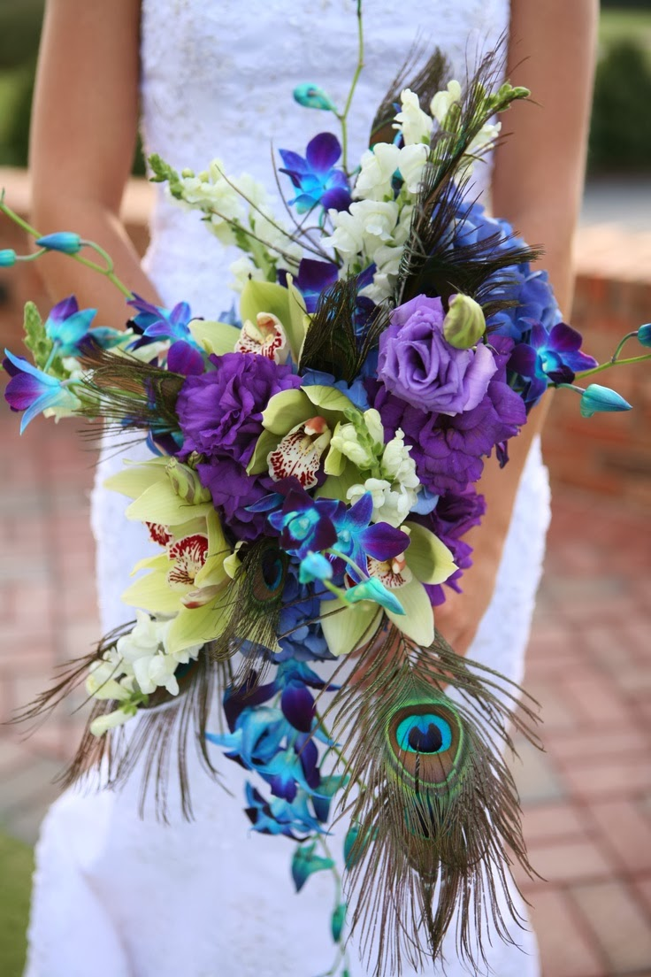 Peacock wedding bouquets wedding stuff ideas for Bridal flower bouquets ideas