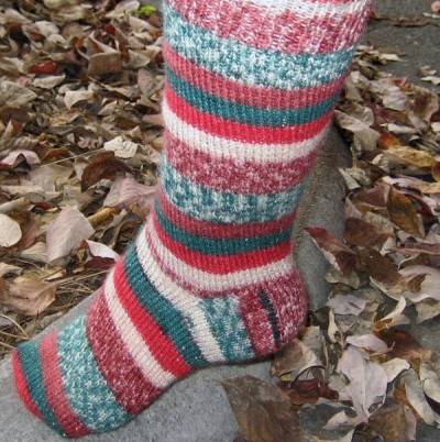 North Pole Easy Holiday Socks Free Knitting Pattern NobleKnits Free Patterns