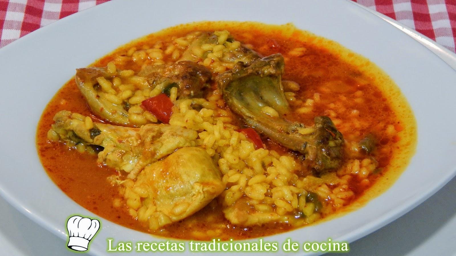 Arroz caldoso de pollo y conejo, receta fácil y casera