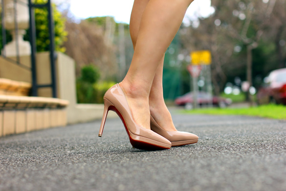 Nude Christian Louboutin Pigalle Plato