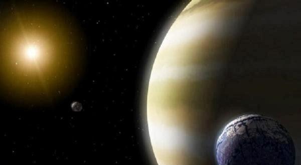 Benarkah Bulan Alien ada diluar Alam Semesta?