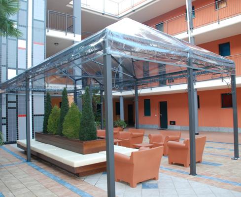 Tenere al caldo in casa coperture mobili giardino for Coperture leroy merlin