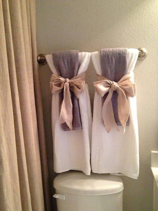 home decor 15 diy pretty towel arrangements ideas. Black Bedroom Furniture Sets. Home Design Ideas