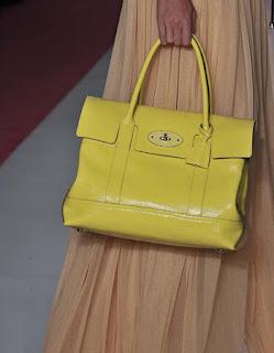 casa-comida-roupa-de-marca-bolsa-amarela