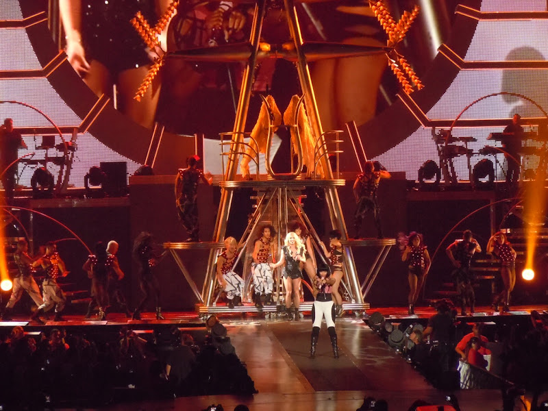 Britney Spears Nicki Minaj Femme Fatale concert