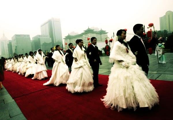 Пекин платит уйгурам деньги за браки с ханьцами