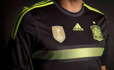 Camiseta selección española negra segunda equipación mundial 2014 escudo