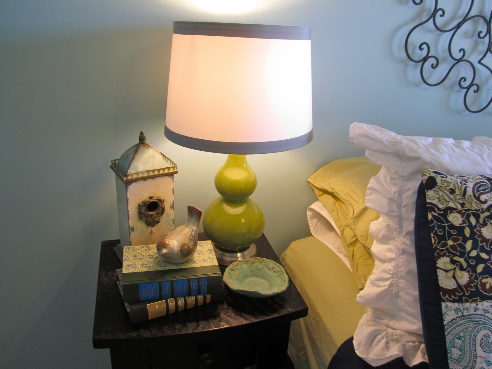 Interior essence home decor for less for Home decorations for less