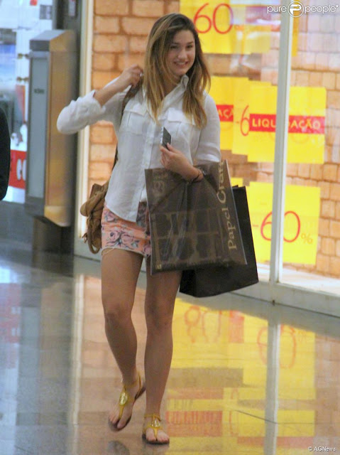 estilo sasha meneghel short camisa casual