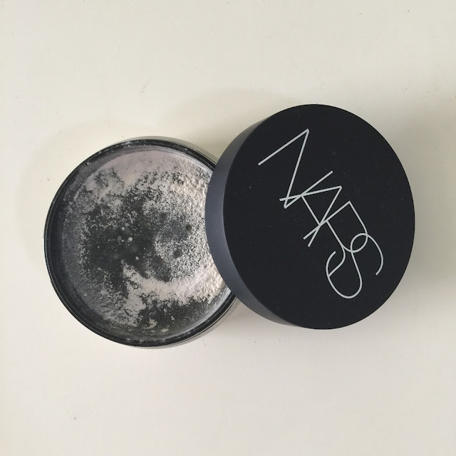 nars light reflecting loose setting powder hertravelogue com. Black Bedroom Furniture Sets. Home Design Ideas